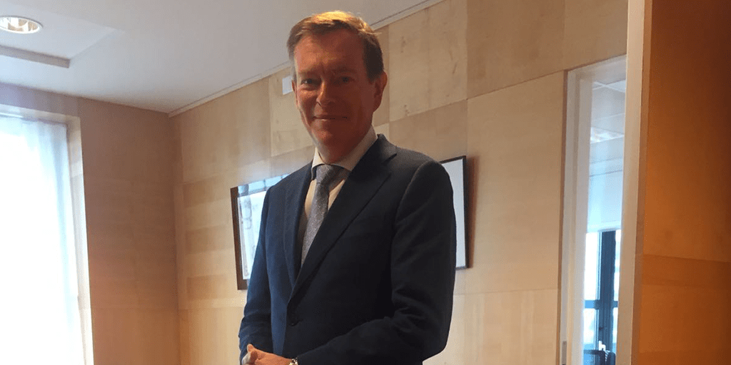 Dutch Minister wears suit by Suit Supply made from our 100% recycled handwoven fabric